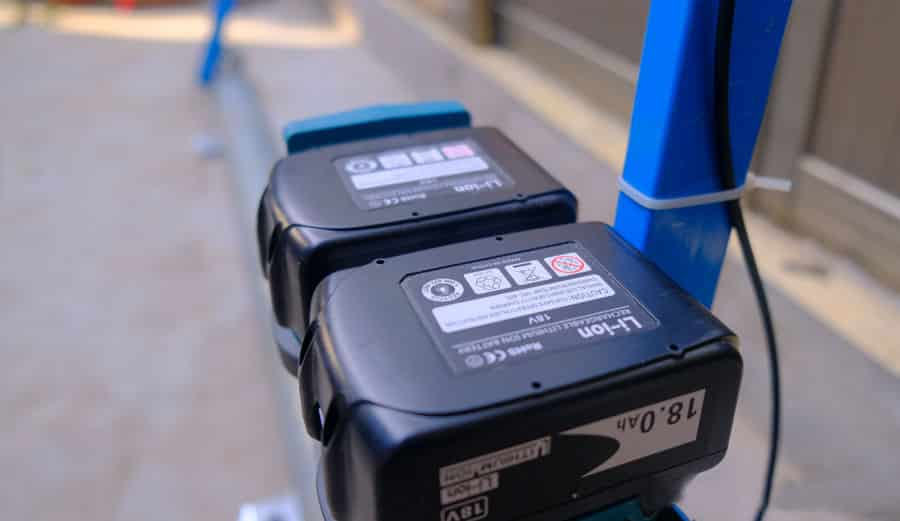 Battery Roller Screed