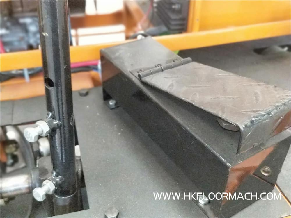 The Safety pedal of Ride on Trowel Machine