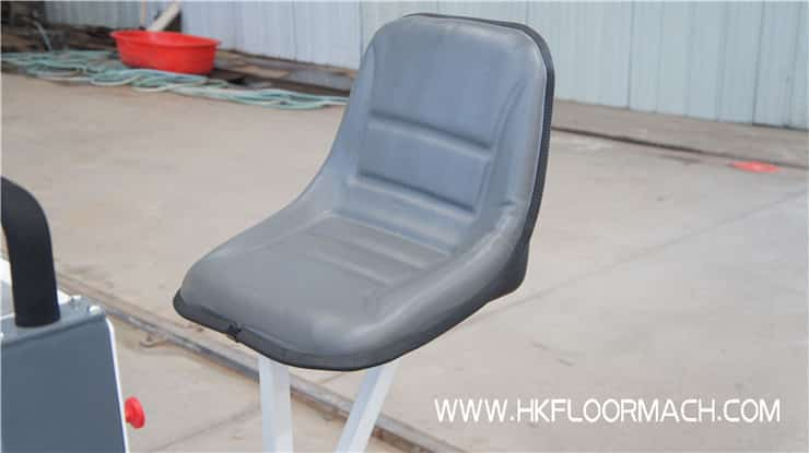 The seats of the s840-2 laser screed